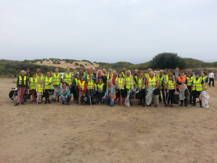 £1,000 Championing Grant awarded to Formby & Freshfield Beach Litter Angels